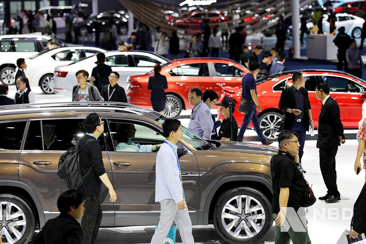 多名两会代表呼吁汽车限购放开 减免购置税能否刺激车市?