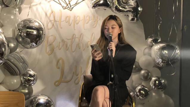 李嫣在生日会上唱歌,这声线和妈妈的太像了吧……