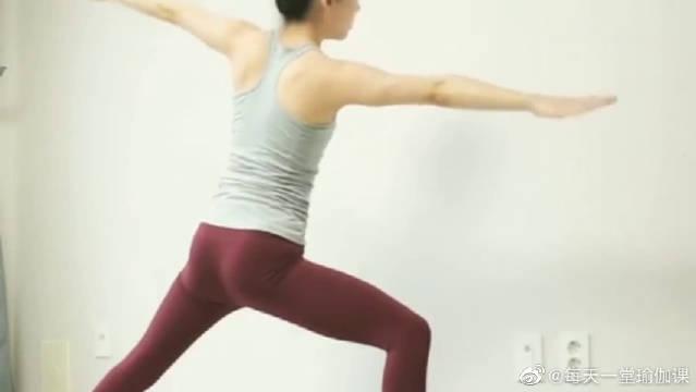 尽情用瑜伽舒展身体,让生活中的烦恼和压力……
