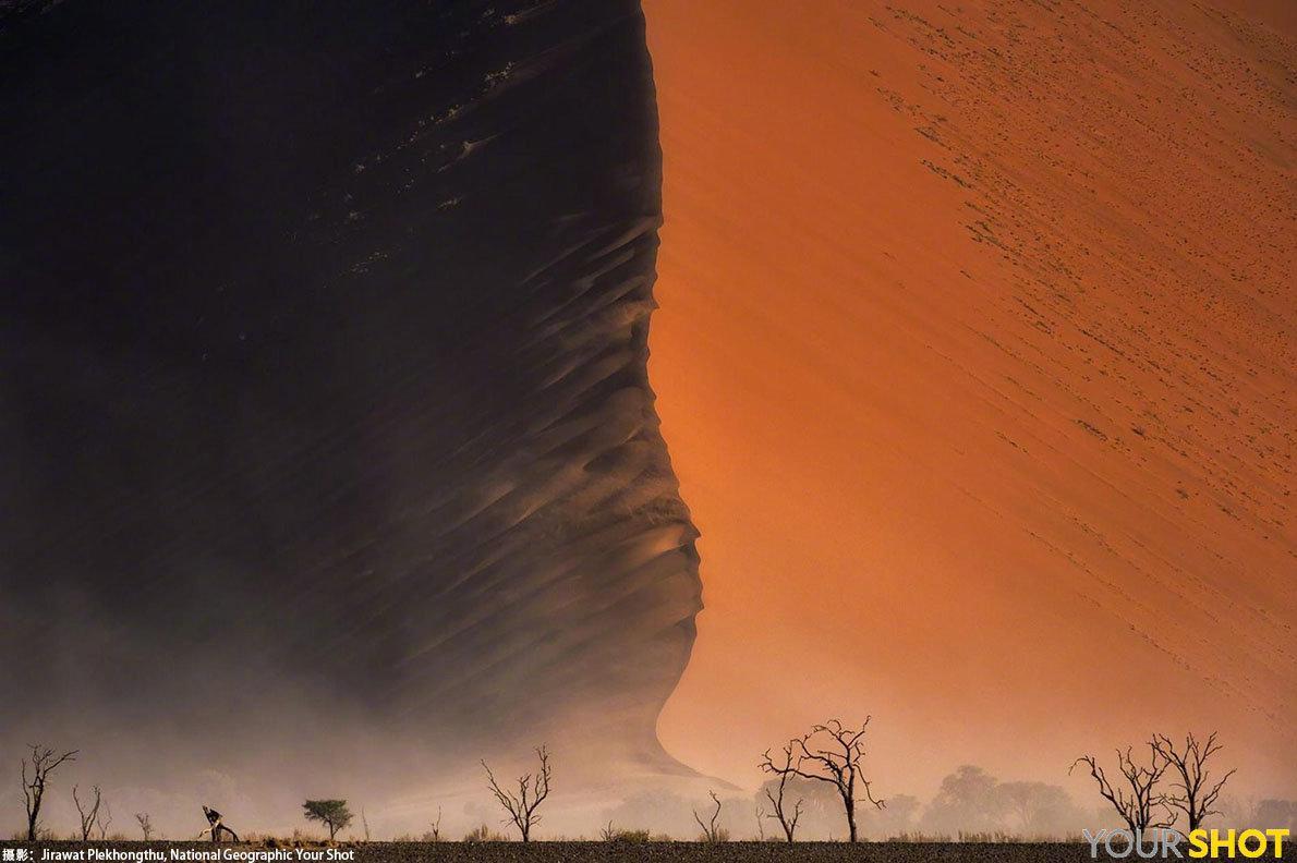日出时分,纳米布沙漠的沙丘