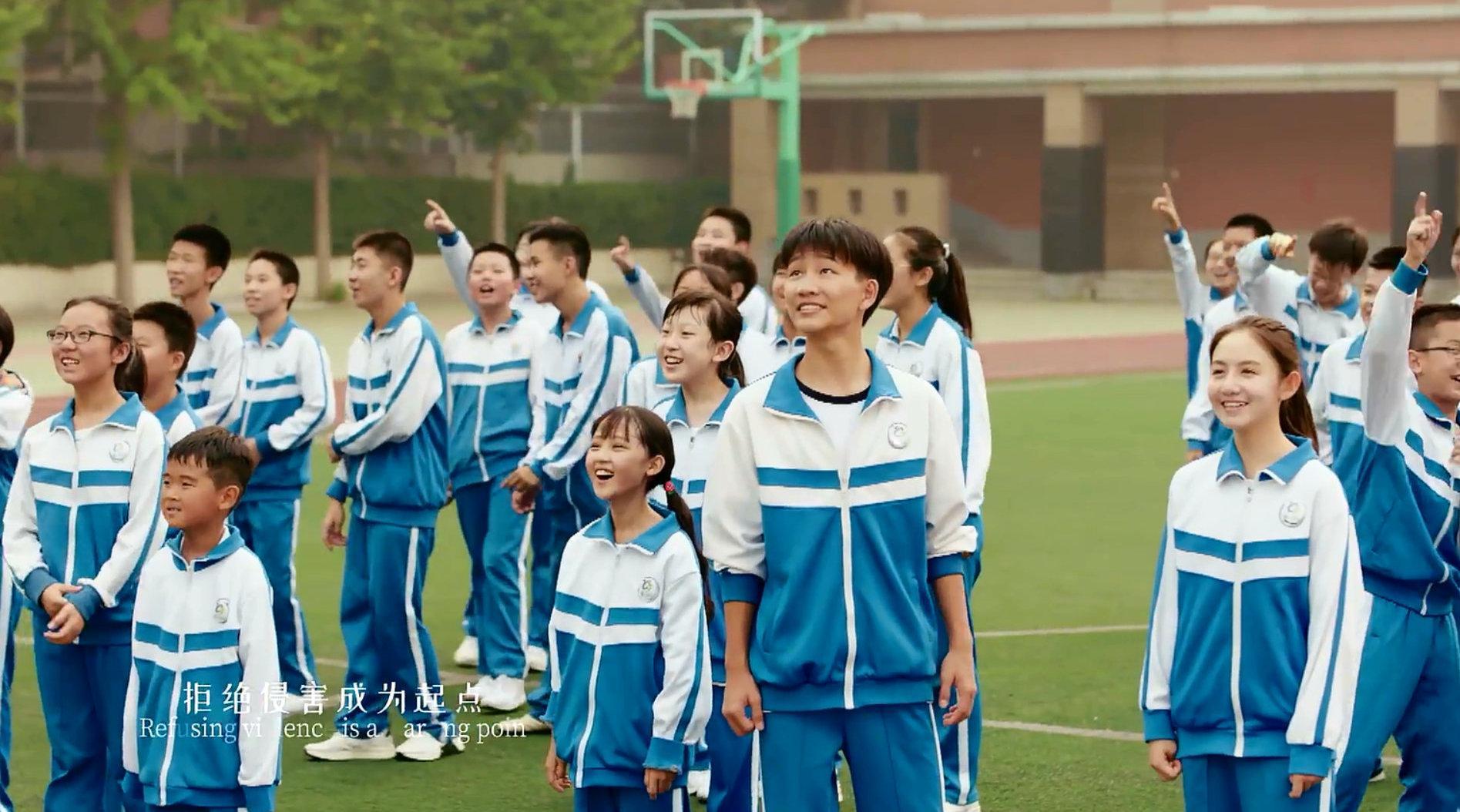 李易峰《青春需要温暖》MV版 每一个个体都有他的温暖和光……