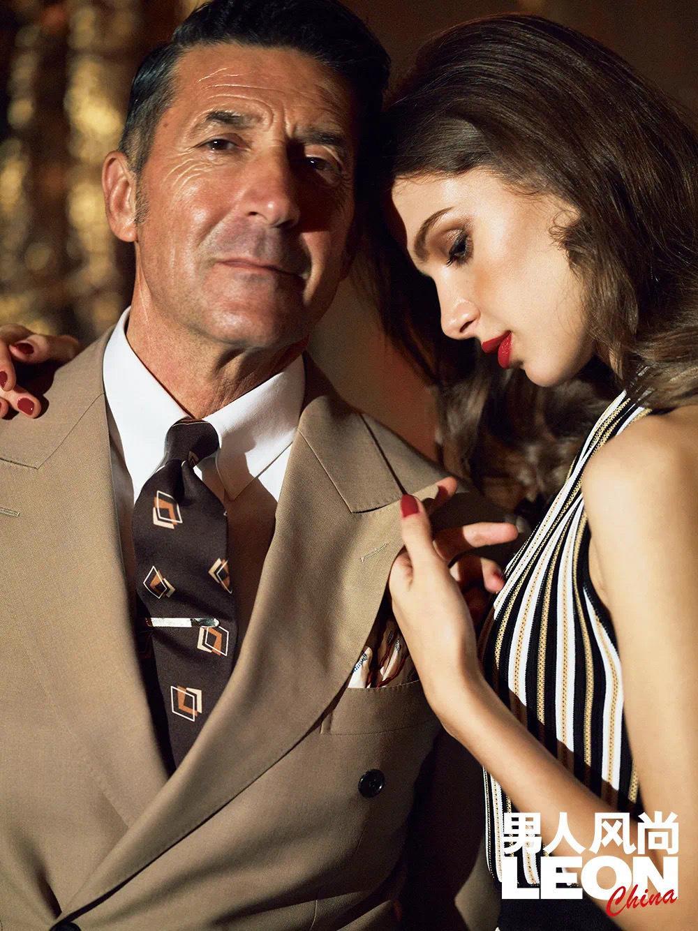决胜西装一定要打领带,基本前提要满足,然后就是个性发挥了