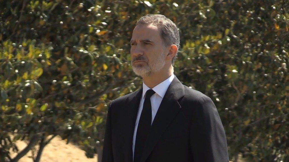 西班牙为哀悼因新冠肺炎去世的27118名死者开启为期10天的公祭