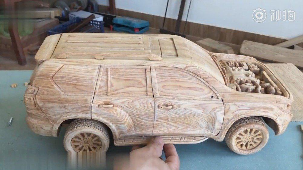 手工自制木雕越野车模型,这动手的能力也太强了吧