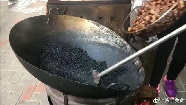 香港街头美食,手工明火炒栗子,香气袭人!