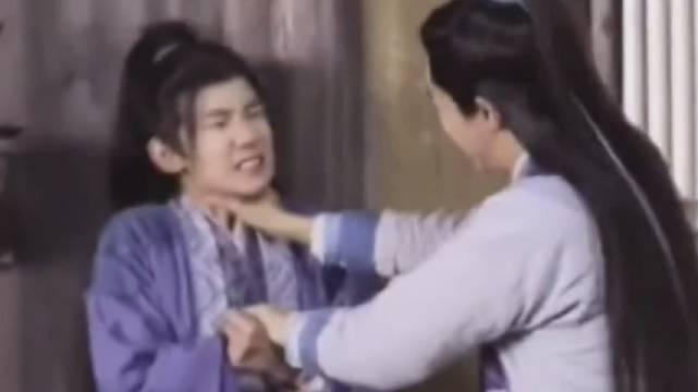 诛仙青云志花絮:王俊凯掐脖子,王源实力配合……