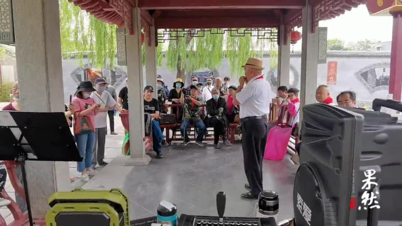 果然视频丨齐鲁志愿者的这段口琴表演,带你回到童年时代
