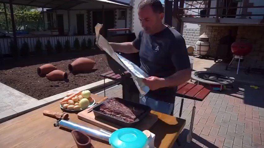 高加索大叔带来的土豆烤肉