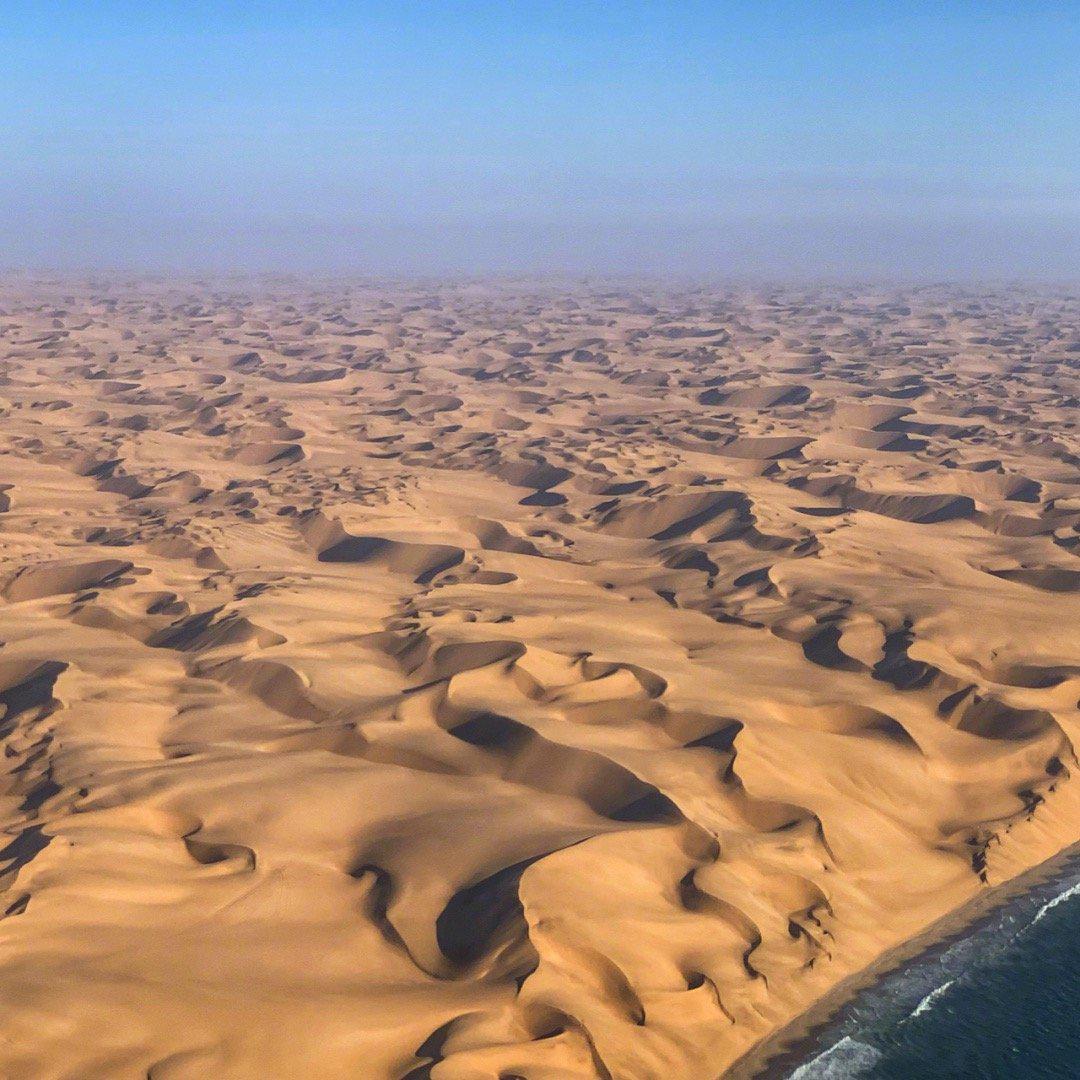 纳米比亚 三明治湾 沙丘与海洋相见的地方