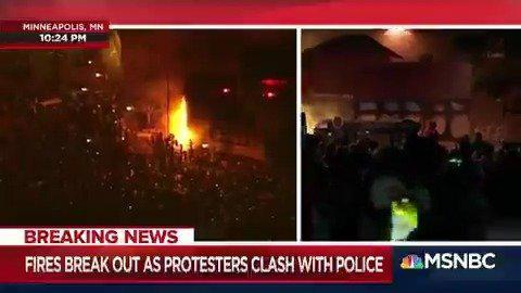 怒火!明尼波利斯抗议者点燃警局,警察仓促撤离