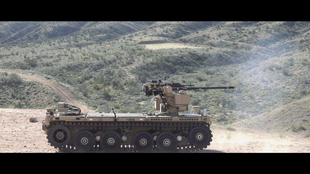 模块化自主远征载具 EMAV在测试发射M230LF大毒蛇机炮 不过虽然吹