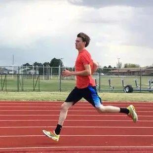 无需去健身房! 3种训练方式增强跑者力量