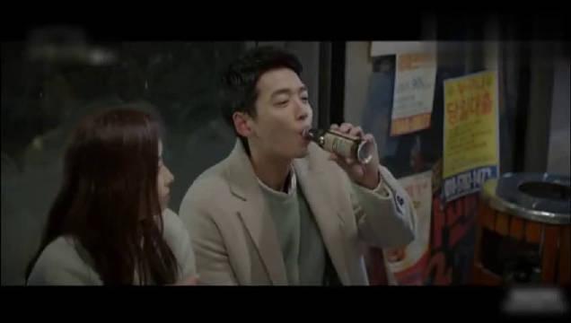 发糖,郑敬淏和济熙的摸头杀+kiss,简直太甜了!