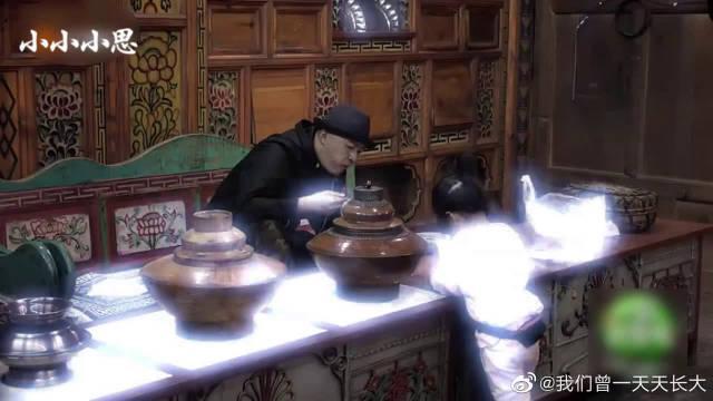 饺子和包贝尔来串门 一个细节看出陈小春对小小春的家教
