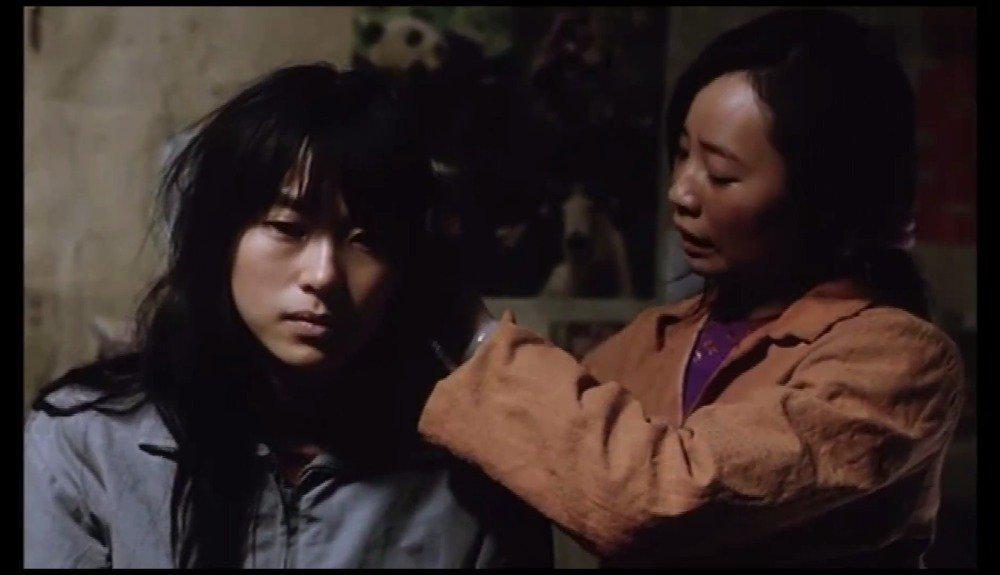 电影《盲山》令人绝望的片段!你以为你不在盲山……