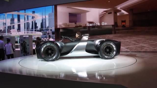虚拟现实汽车问世,可模拟行驶场景,开车就像玩游戏