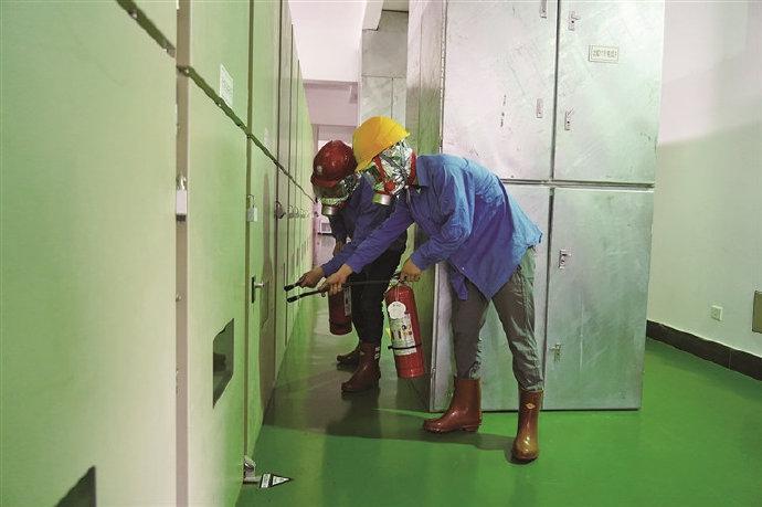 象山开展变电站设备火灾应急处置演练 隔离故障设备