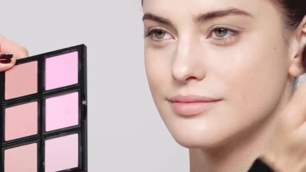 用bobbi brown全线产品轻松打造出健康自然的日常妆容……
