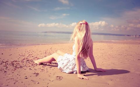 外表漂亮与不漂亮不是主要问题,有光就有影,不要太多埋怨……
