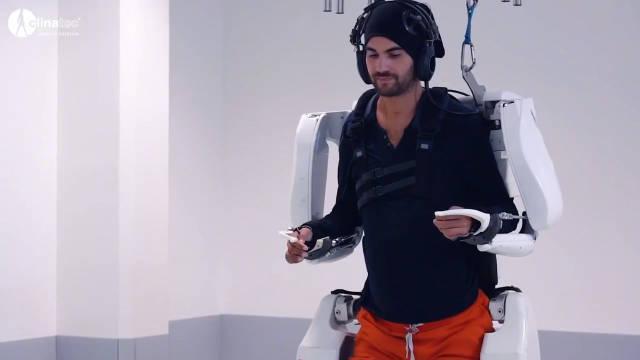 法国科学家让瘫痪男子用脑波控制外骨骼系统……