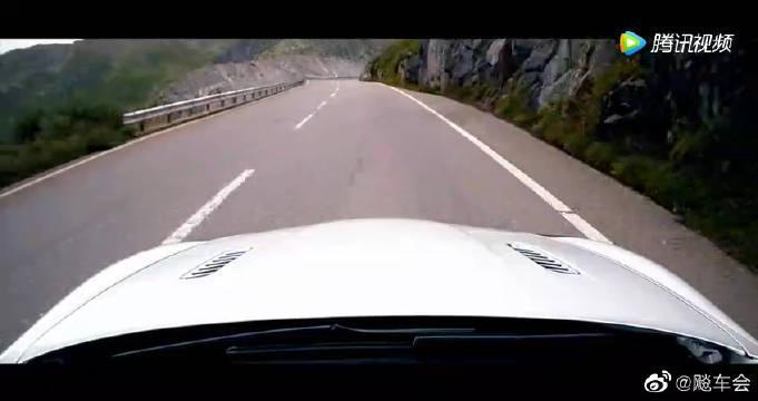 视频:Aston Martin Rapide S汽车测试……