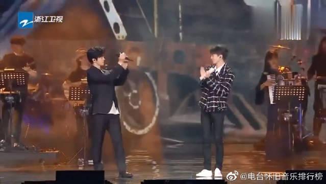 李健跟王俊凯合唱《雾中列车》,这是什么神仙组合?