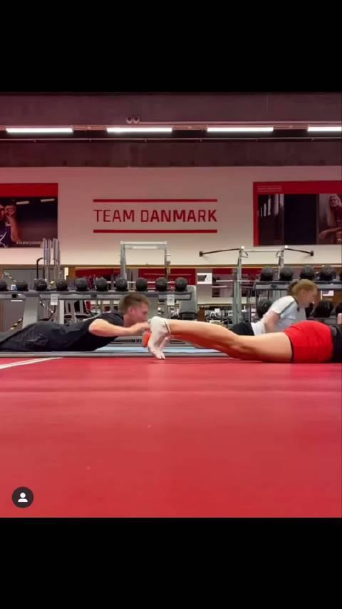 丹麦队的朋友 你们都是鱼🐟变的吗