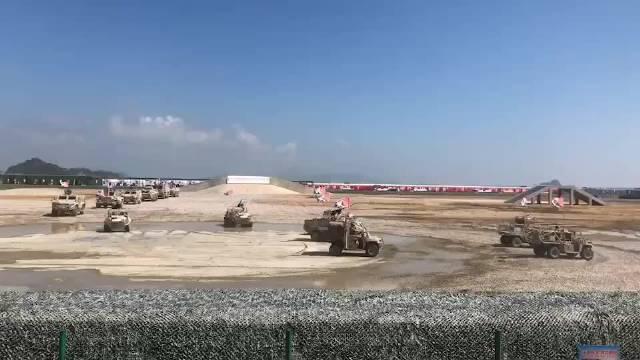 我国自主研发制造的主战坦克、轮式装甲车、履带式步兵战车等将进行地面动态展示!