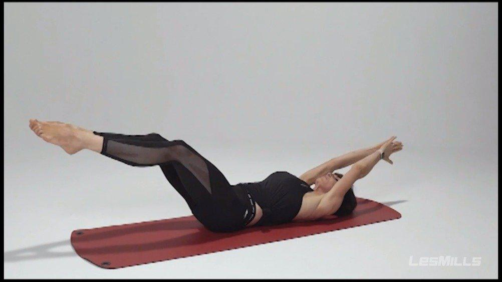 在家如何训练核心?跟着莱美国际培训师Diana Mills一起来练习……