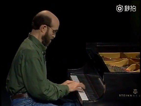 钢琴版《卡农》,由钢琴家乔治·温斯顿演奏