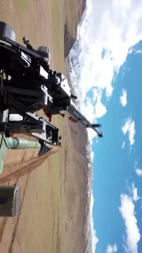 军事报道: 西藏军区某旅15式坦克、红箭10导弹等多种新型装备……