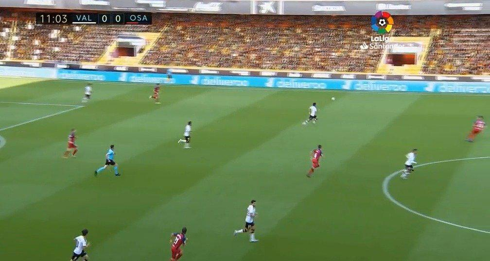 瓦伦西亚2-0奥萨苏纳,罗德里戈开场闪电破门,但越位无效……