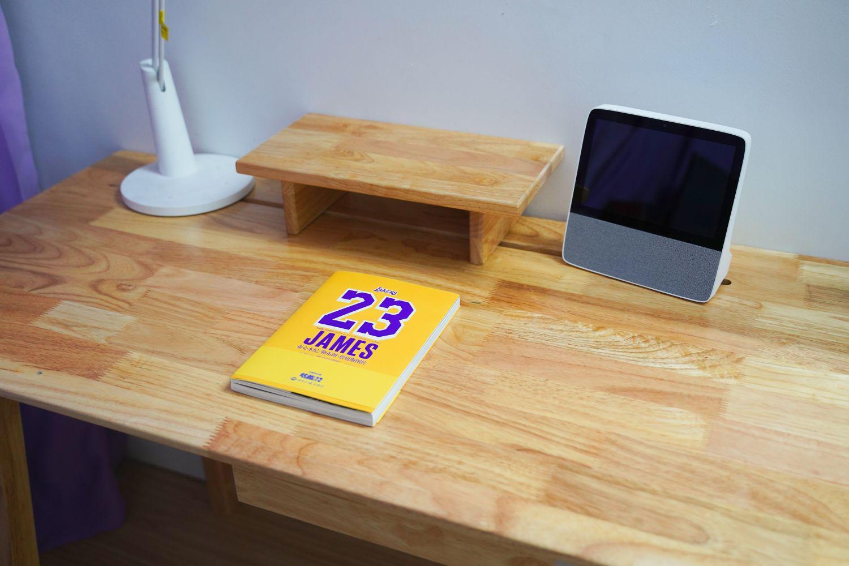 低调简约风书桌,桌面更整洁,工作学习更高效