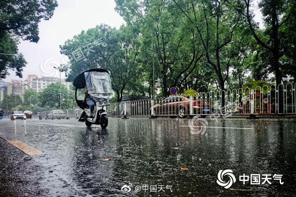 摩天登录:降雨转摩天登录战西南华南闷图片