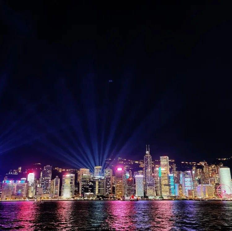 伶仃洋的风,吹过香港