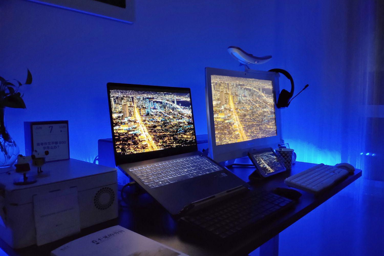 双人居家办公环境升级!16件桌面好物轻松打造