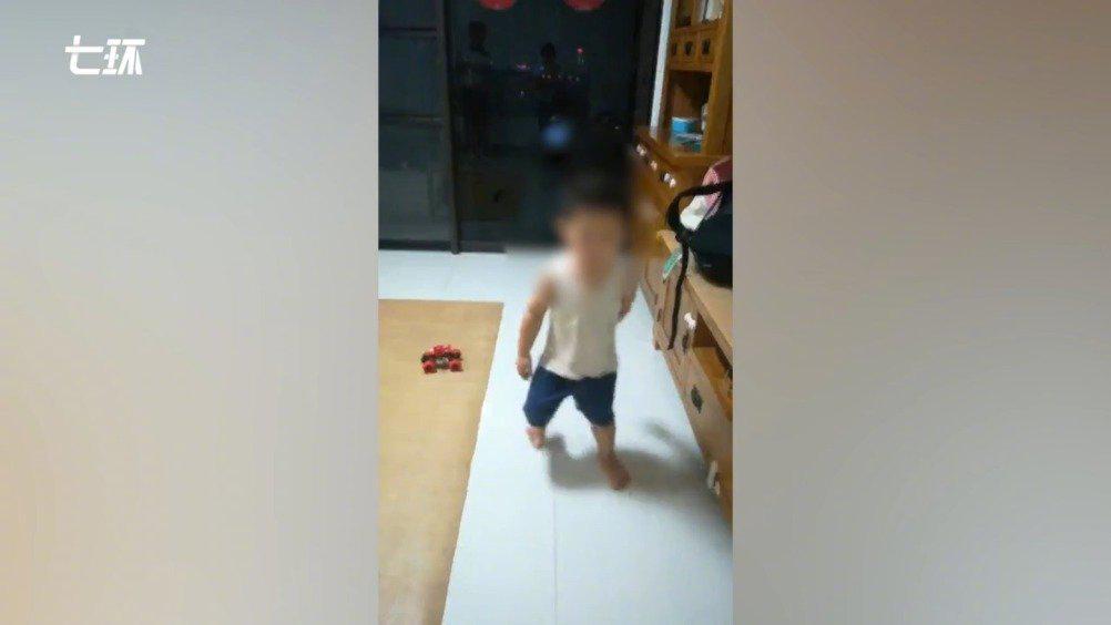 东莞62个男孩患DMD:十几岁必然瘫痪,家长盼药物研发加快