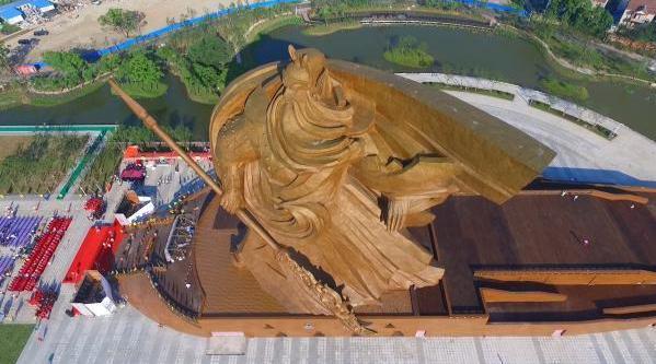 """世界最大关公雕像被指违建 开发商称是""""艺术品"""""""
