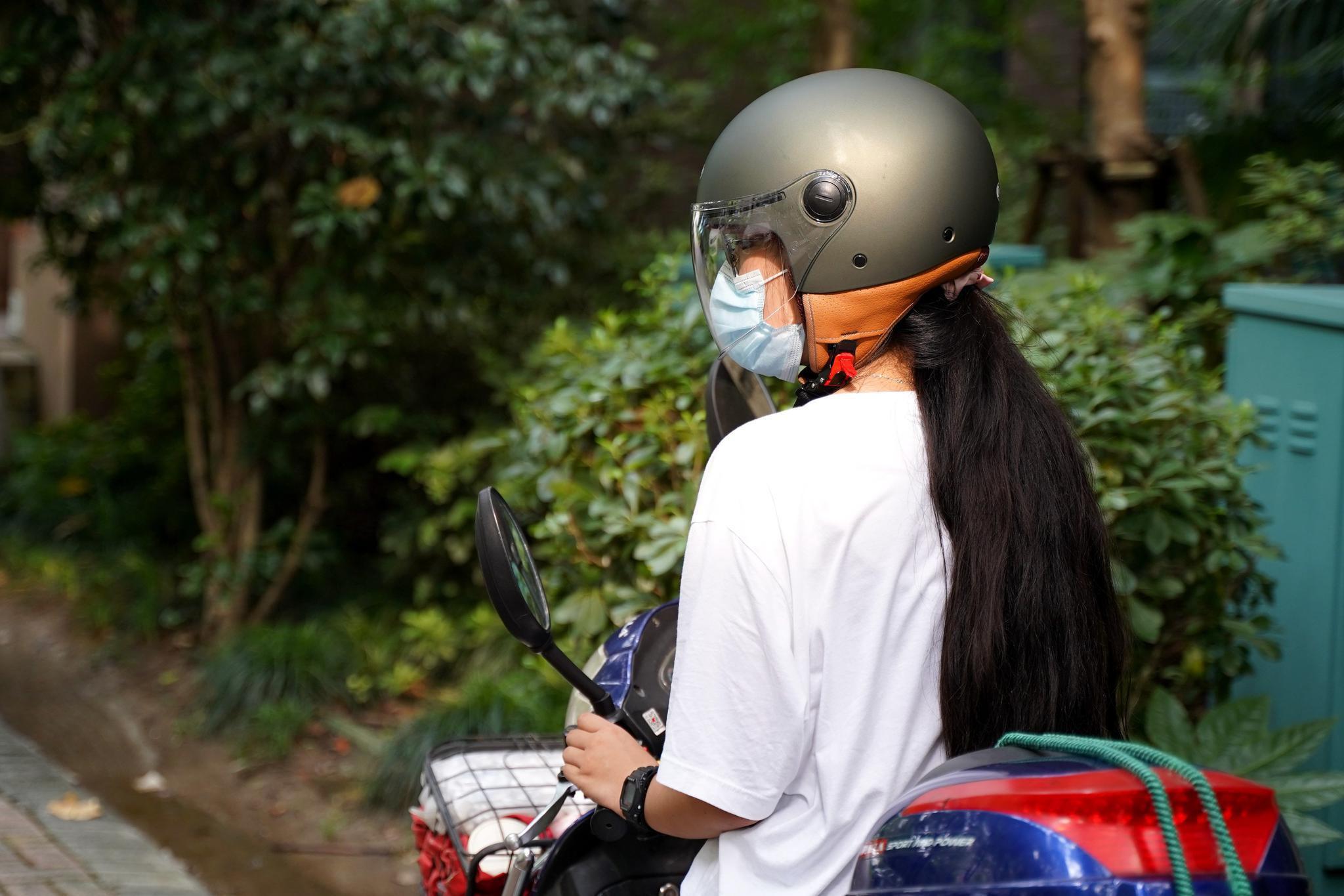 遵纪守法,给自己的小电驴配个漂亮的复古头盔