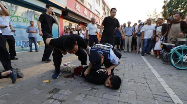 淮安袭警案嫌疑人逃亡的8小时   3分钟回顾事件始末抓捕细节