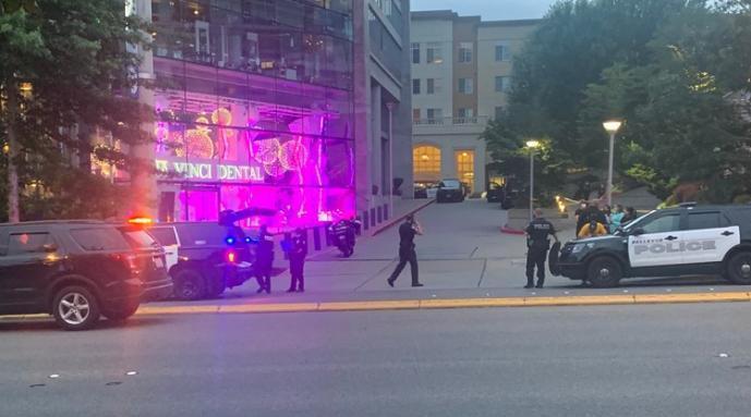 美国一乔迁派对发生枪击和捅人事件:致2死2伤