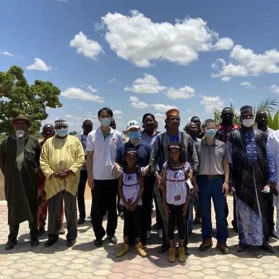 中国使馆援建布基纳法索达佩洛戈蓄水池举行启用仪式
