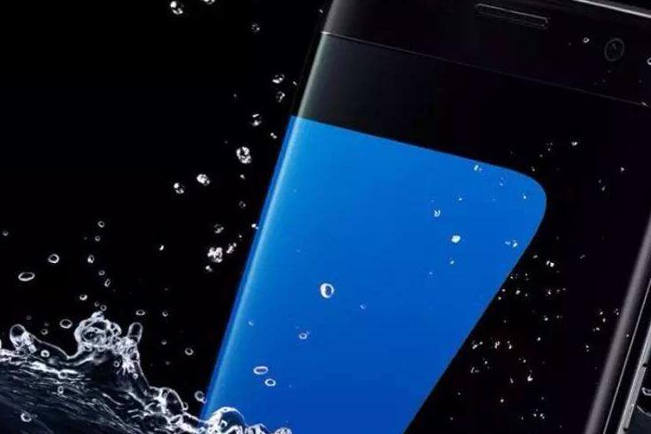 论手机防水的重要性:三星S10因防水救人一命
