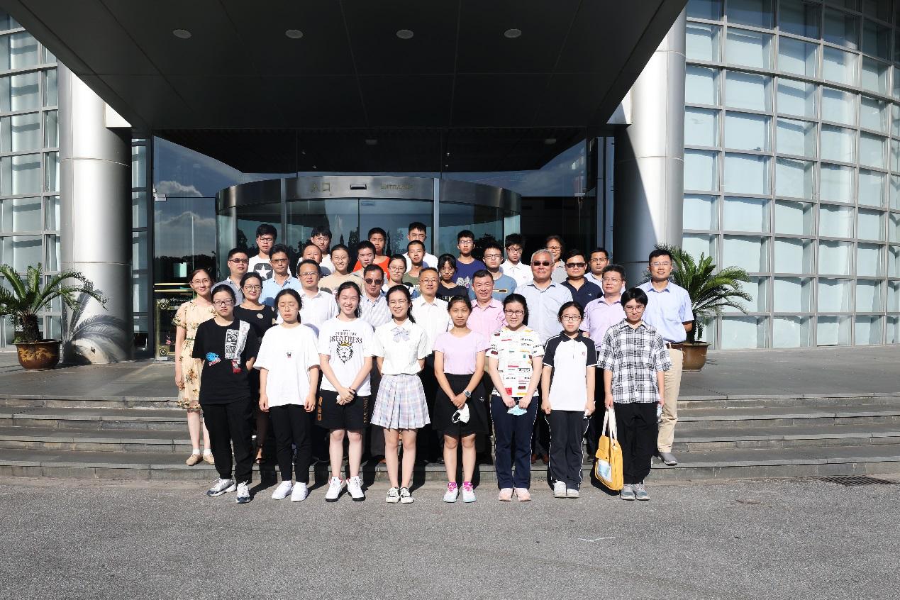 新闻 | 我校与上海海洋大学联合举办第五期上海市青少年科学创新实验项目开学典礼