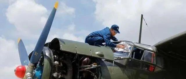 5岁被解放军救下 如今他守护战鹰翱翔蓝天