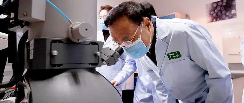 李克强:加快检测时间短、灵敏度高、操作简便的核酸检测产品研发上市