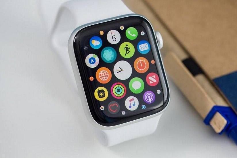 #创作新星#开箱体验苹果Apple Watch5,常亮屏