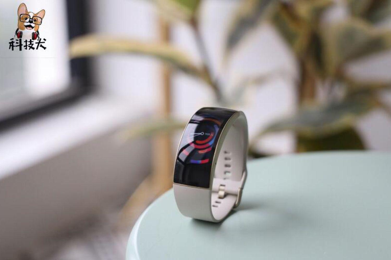 值得购买智能运动装备盘点:腕表T恤耳机任选