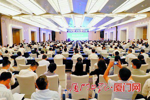 ▲湖里区举行招商大会,八方客商汇聚特区发祥地。
