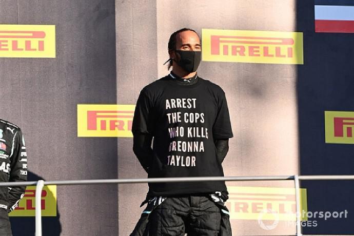 F1| FIA可能调查汉密尔顿在领奖台上的特殊着装